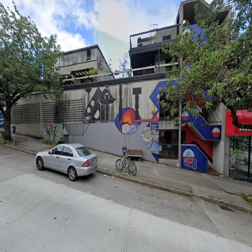 117. 1601 Yew Street
