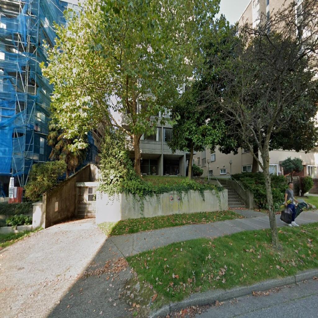 125. 1339 Burnaby Street