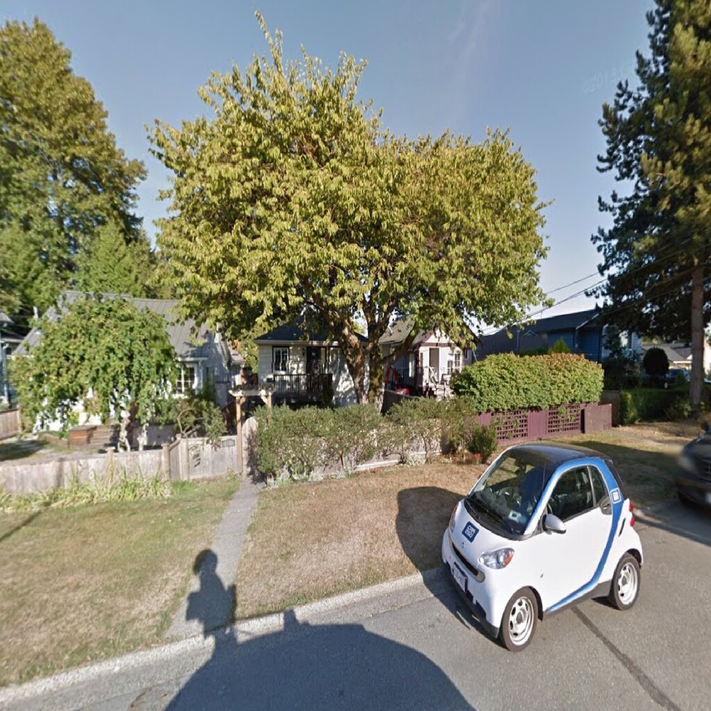 18. 1585 MacGowan Avenue